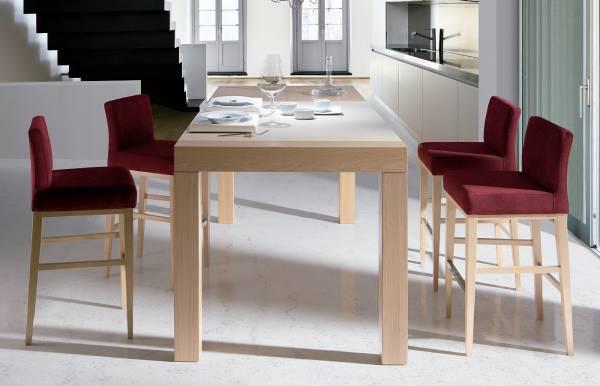Conjunto mesa alta + taburetes Slatten