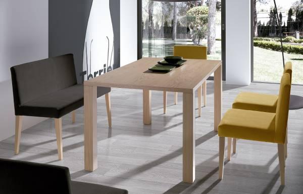 Conjunto mesa + sillas Markkina