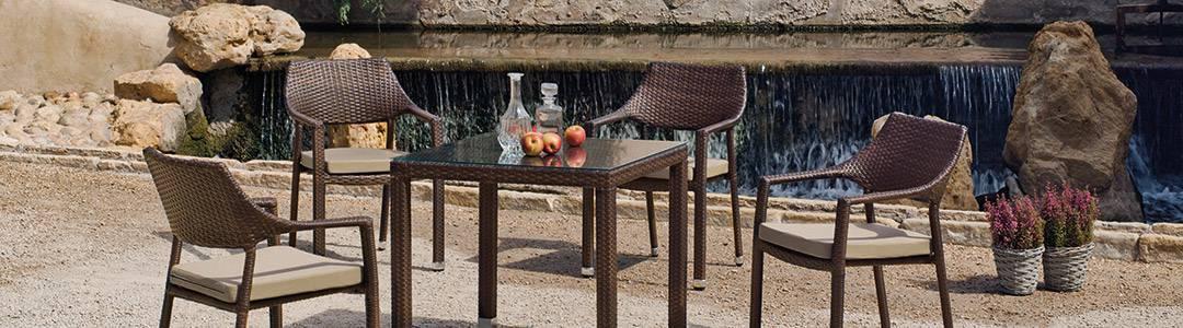 Conjuntos de mesas y sillas de jardín