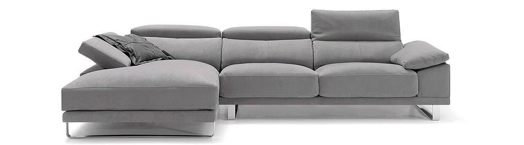 Sofás con cabezales reclinables