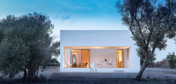 Marià Castelló diseña una casa en el interior de Formentera integrándola en este singular paisaje y dotándola del alma que respiran todos su diseños