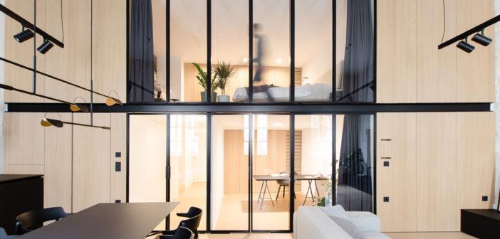Marasovic Arhitekti diseña un apartamento con soluciones poco comunes en una casa histórica en el centro de Koper, Slovenia