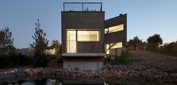 Esta casa de Elisabetta Quarta Colosso demuestra que es posible construir edificios pasivos, de diseño bioclimático y con materiales sanos a un coste asequible