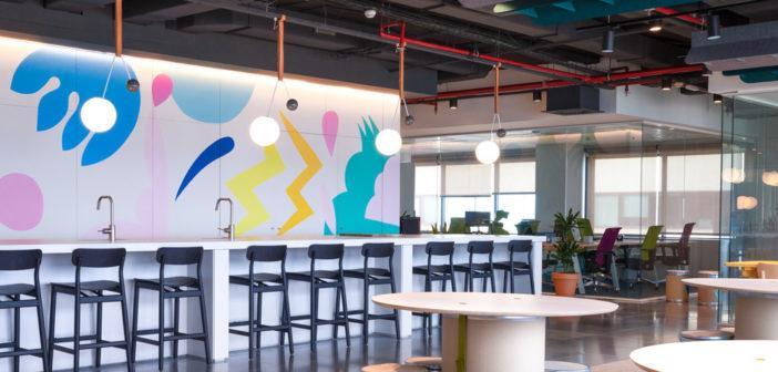 Lagranja diseña un espacio de trabajo inspirador para la vuelta a la oficina del equipo de Doctoralia